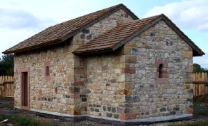 Bau einer Kapelle in Freilichtlabor Lauresham